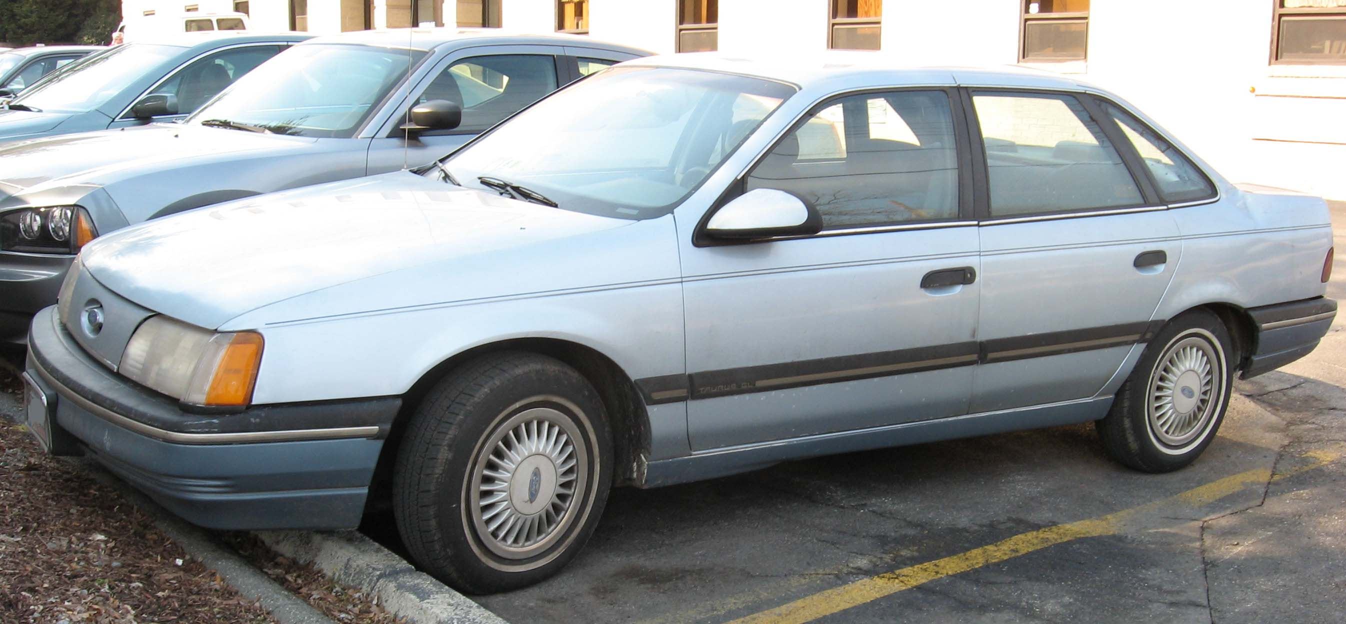 Ford Taurus 1982
