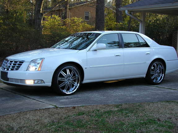 Cadillac DTS 2006 foto - 1