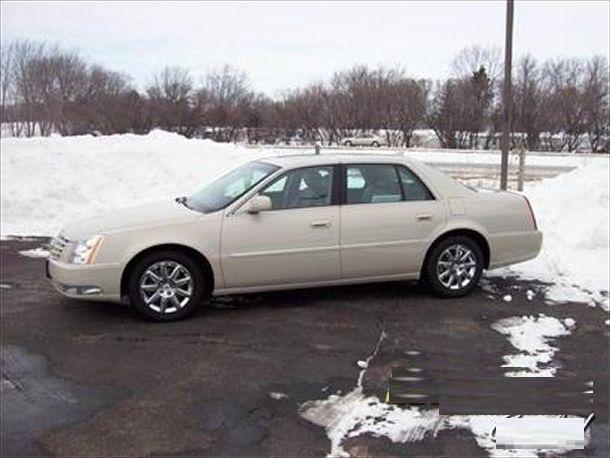 Cadillac DTS 2010 foto - 3