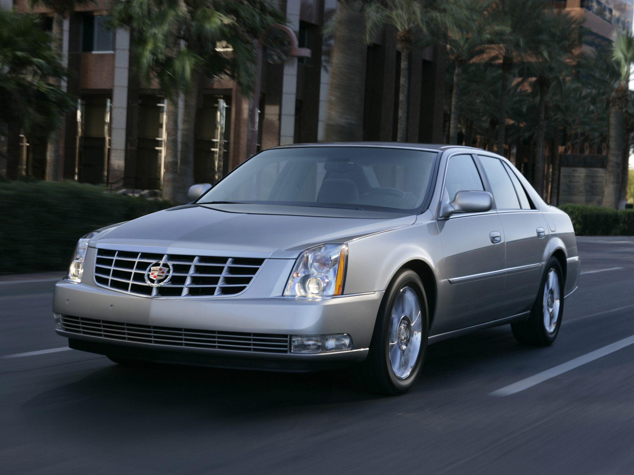 Cadillac DTS 2011 foto - 2