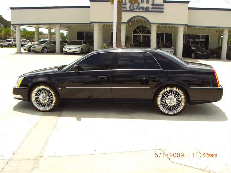 Cadillac DTS 2012 foto - 2