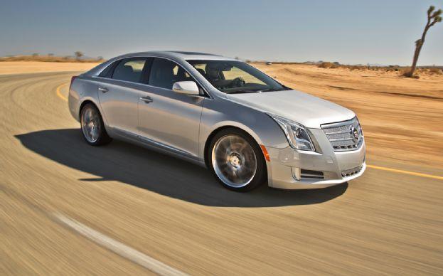 Cadillac DTS 2013 foto - 3