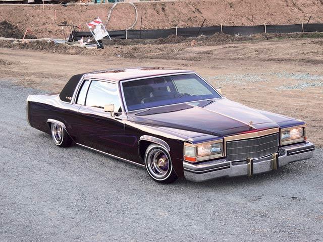 Cadillac Deville 1986 foto - 1