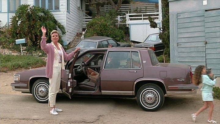 Cadillac Deville 1987 foto - 1