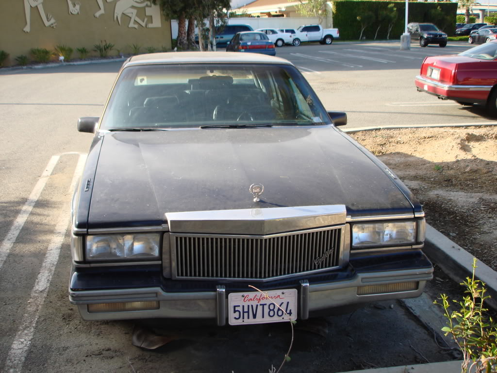 Cadillac Deville 1988 foto - 1