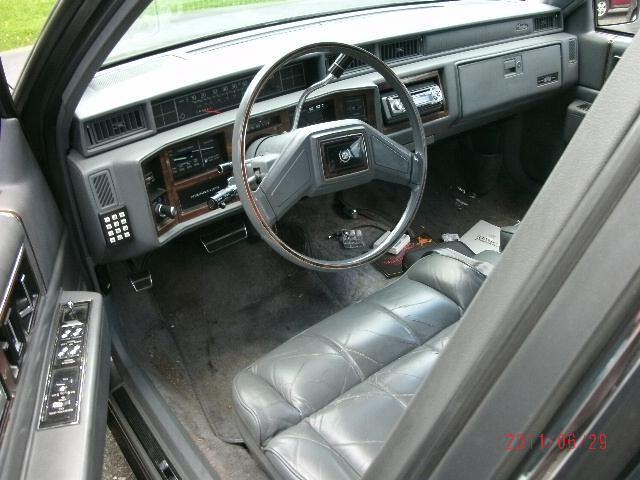 Cadillac Deville 1988 foto - 3
