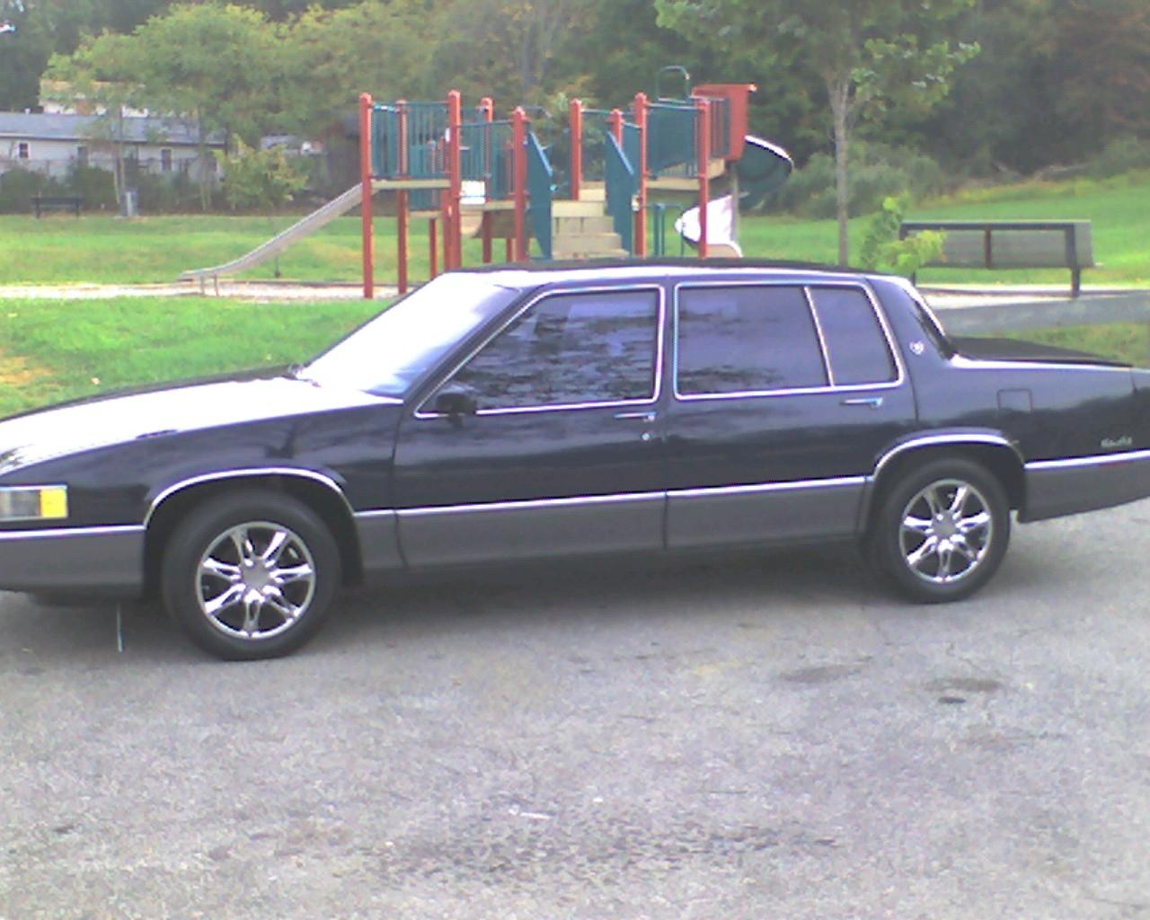 Cadillac Deville 1989 foto - 3