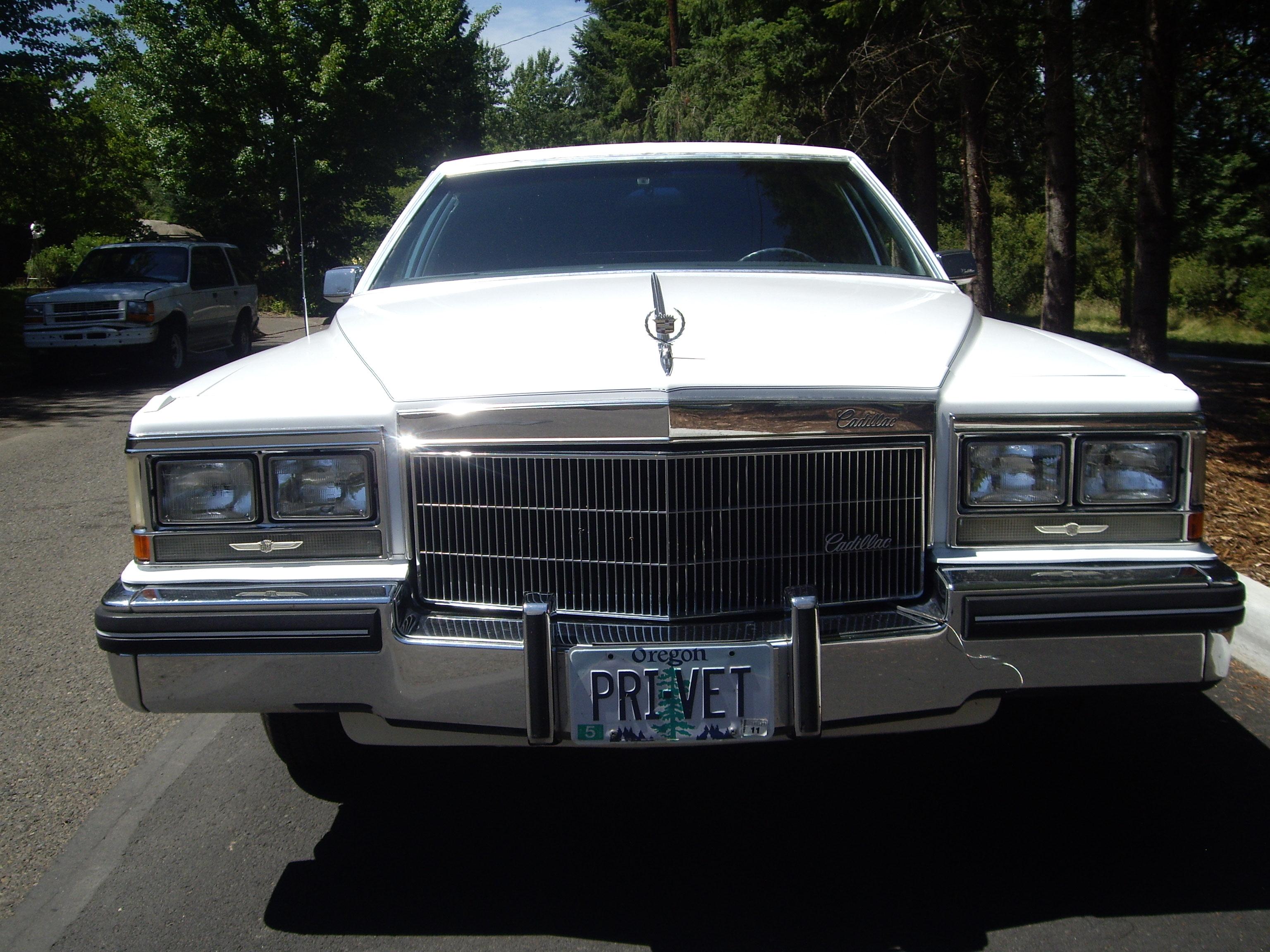 Cadillac Deville 1993 foto - 3