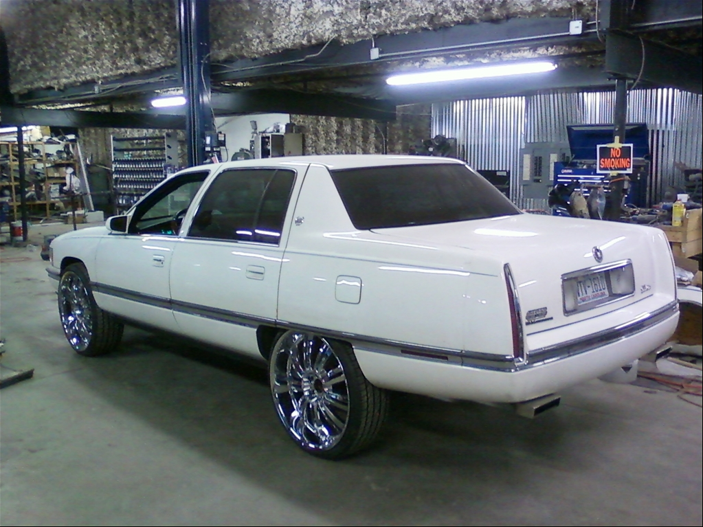 Cadillac Deville 1996 foto - 1
