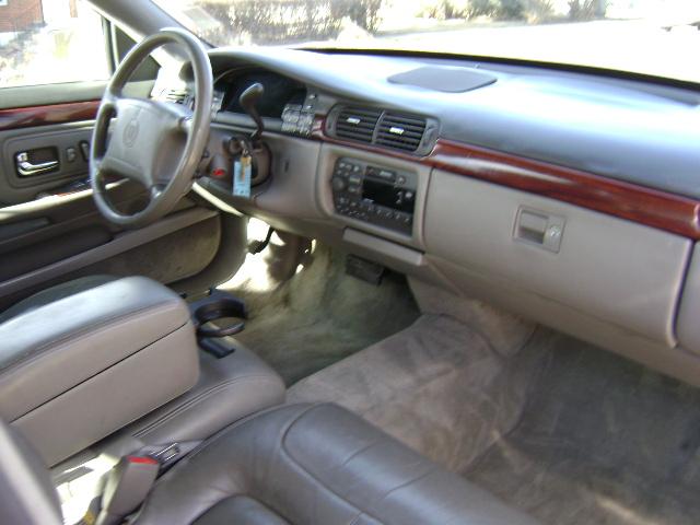 Cadillac Deville 1999 foto - 2