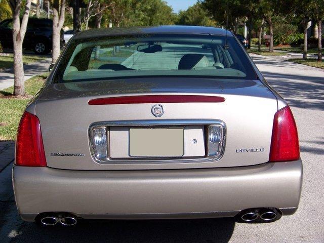 Cadillac Deville 2001 foto - 1