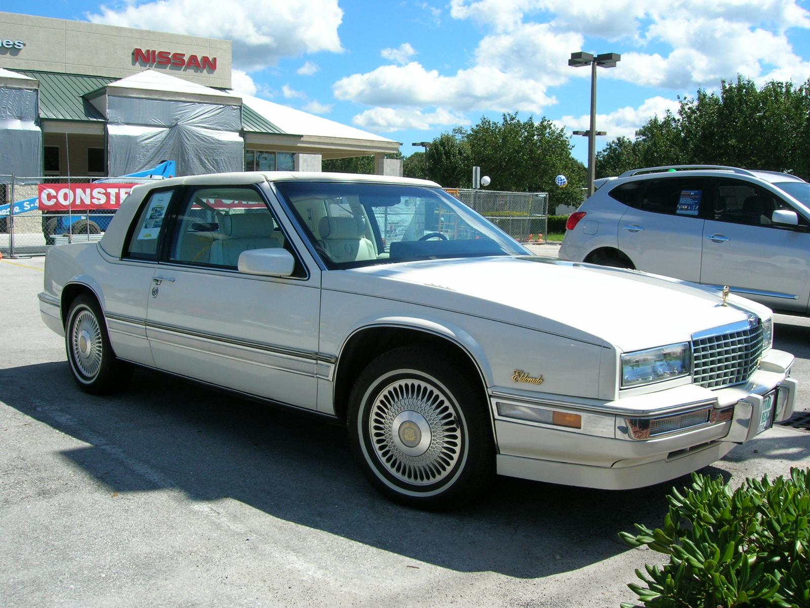 Cadillac Eldorado 1989 foto - 1