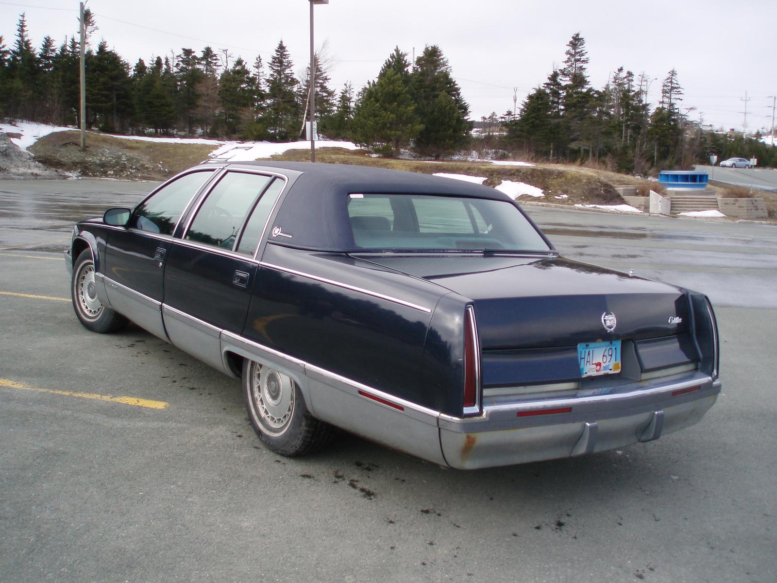 Cadillac Fleetwood 1980 foto - 2