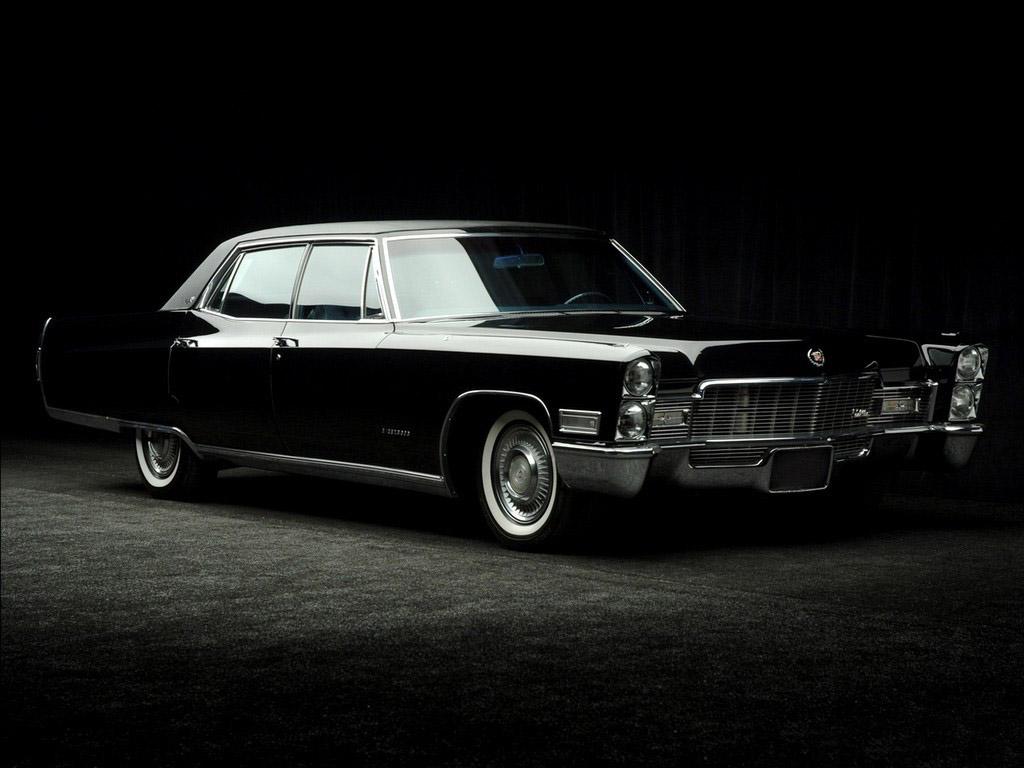 Cadillac Fleetwood 1985 foto - 1
