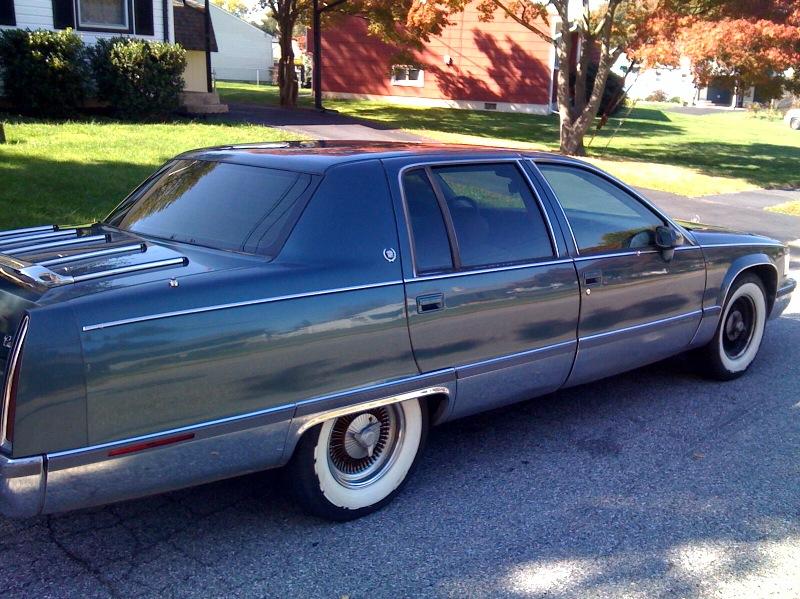 Cadillac Fleetwood 1986 foto - 1
