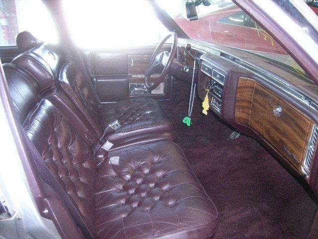 Cadillac Fleetwood 1989 foto - 5