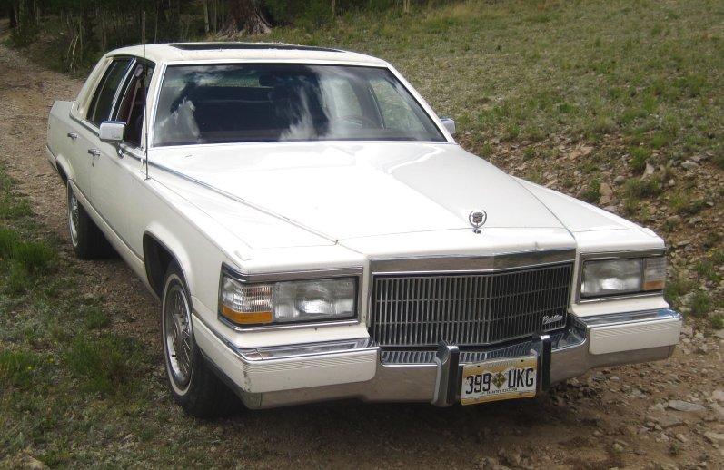 Cadillac Fleetwood 1991 foto - 2