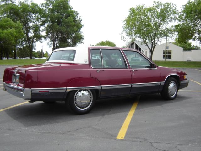 Cadillac Fleetwood 1991 foto - 4