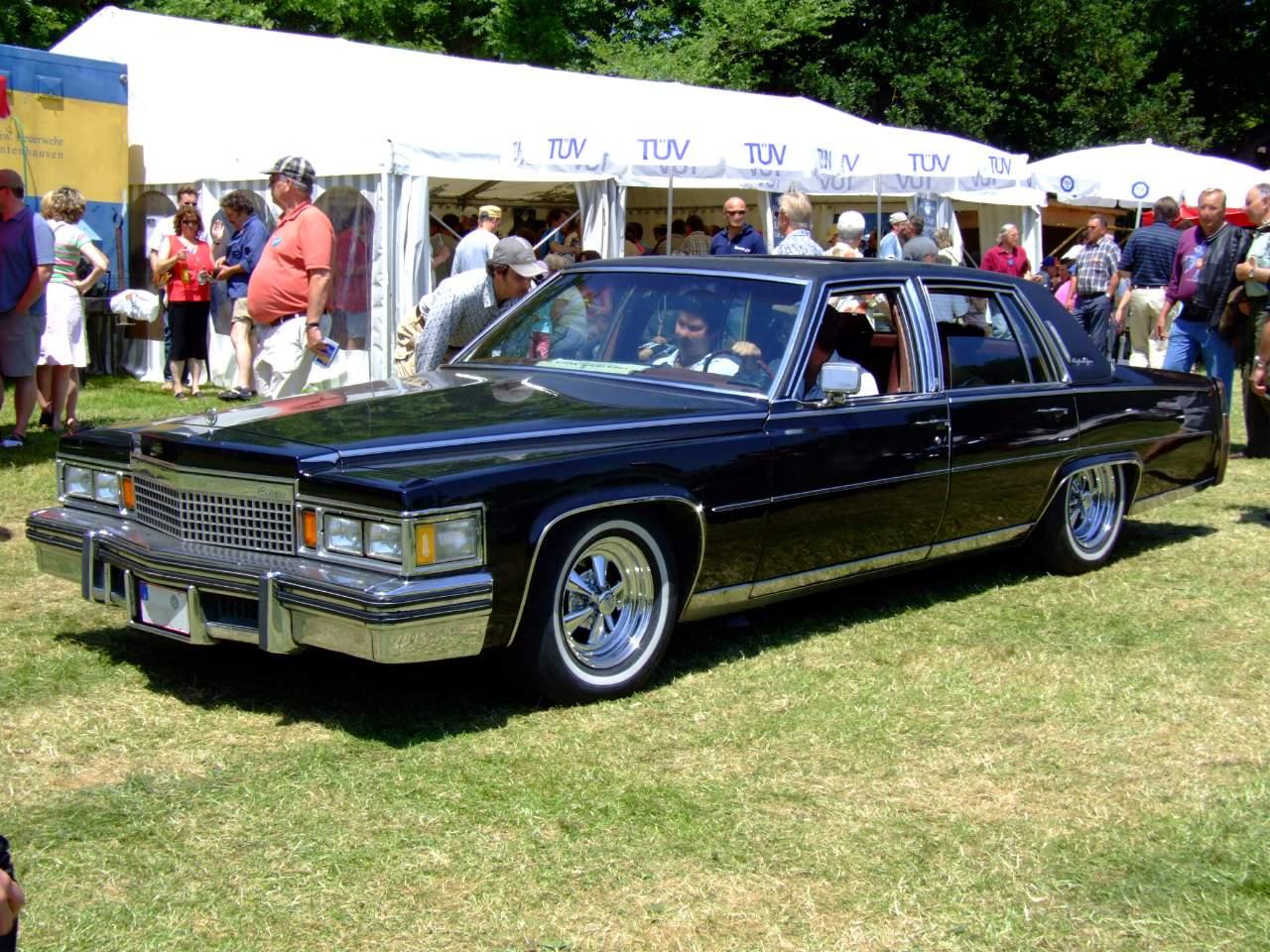 Cadillac Fleetwood 1992 foto - 3