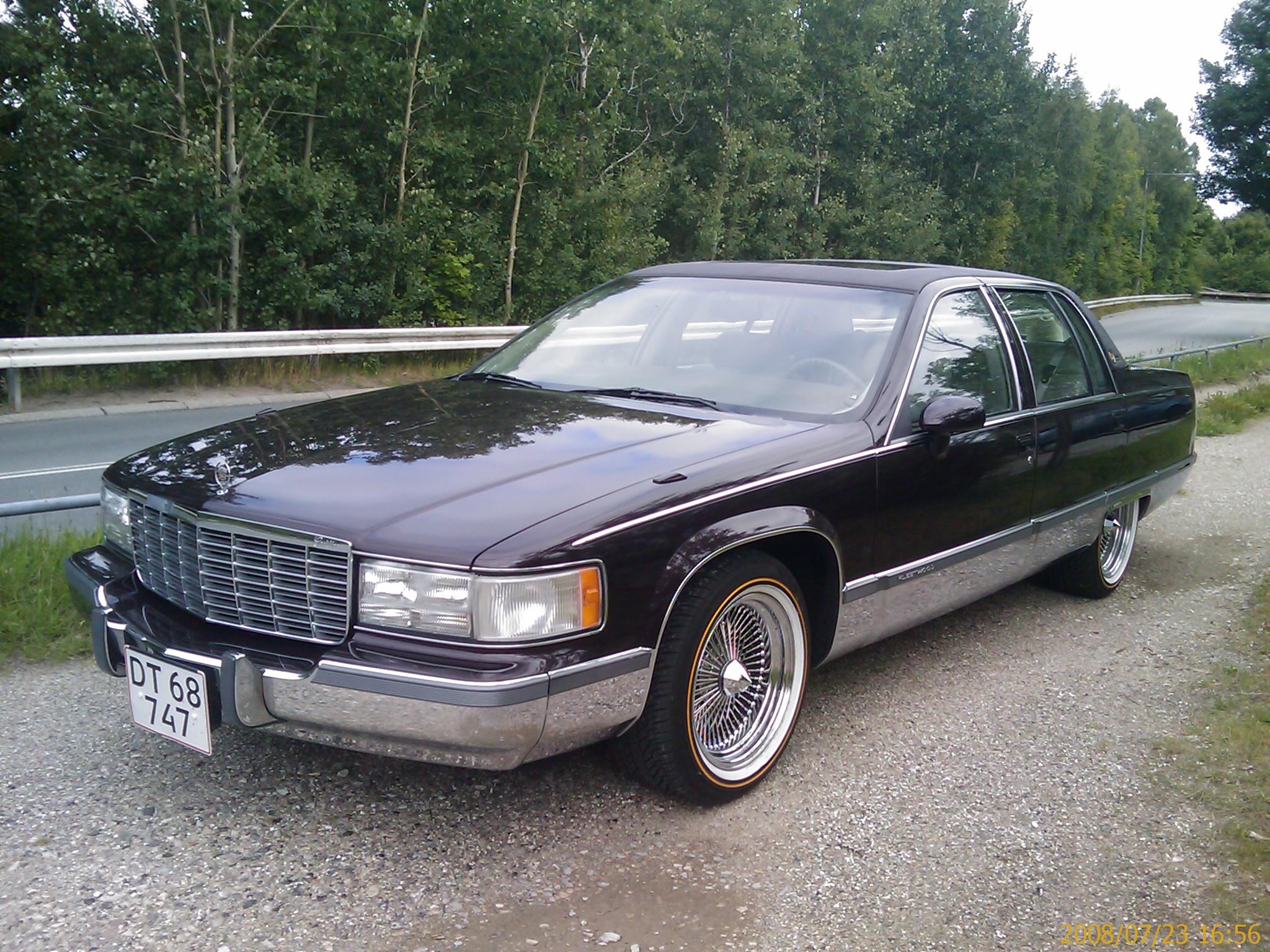 Cadillac Fleetwood 1993 foto - 1