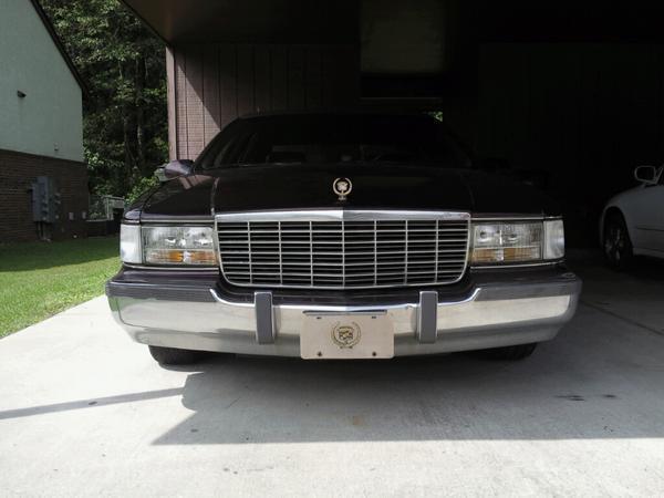 Cadillac Fleetwood 1995 foto - 3