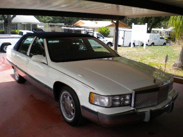 Cadillac Fleetwood 1995 foto - 6