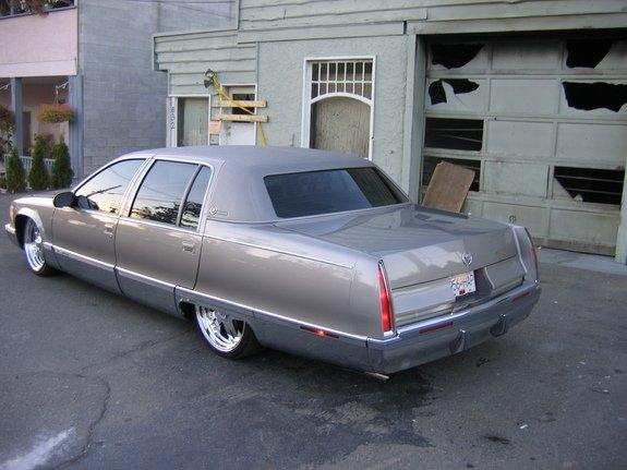 Cadillac Fleetwood 1996 foto - 2