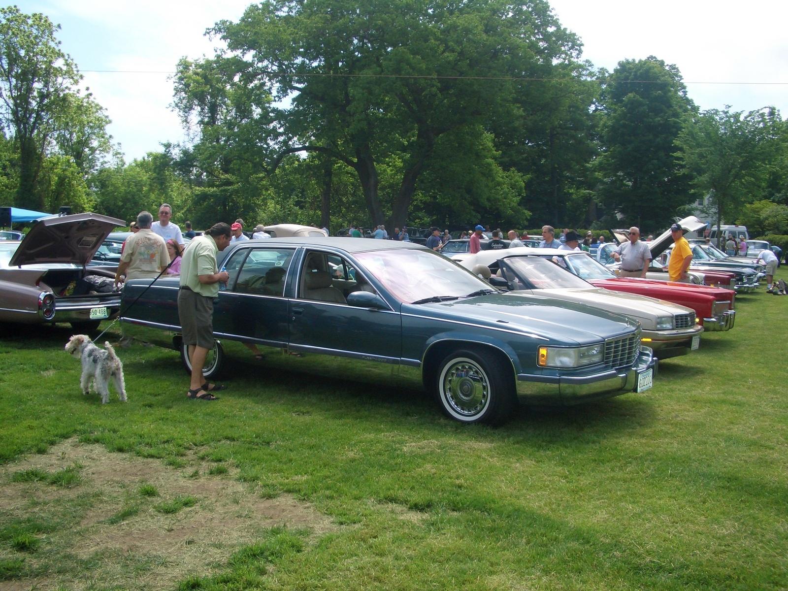 Cadillac Fleetwood 1996 foto - 3