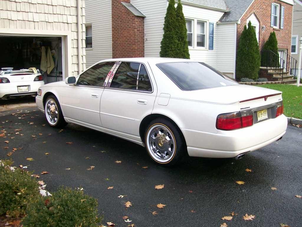 Cadillac STS 1997 foto - 1
