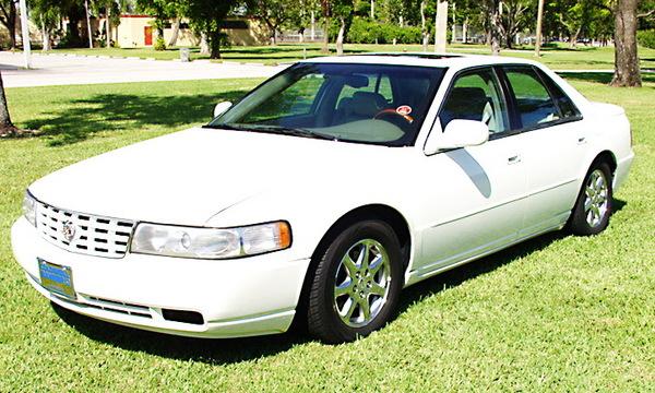 Cadillac STS 2000 foto - 4