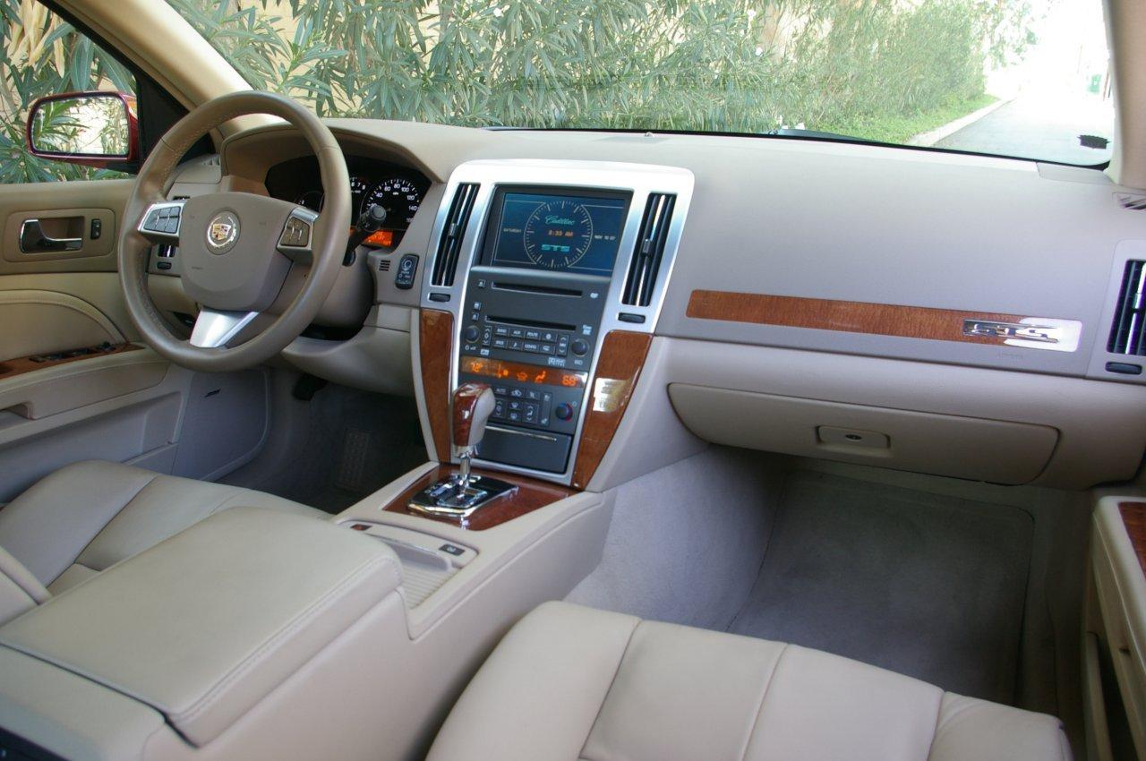 Cadillac STS 2014 foto - 6