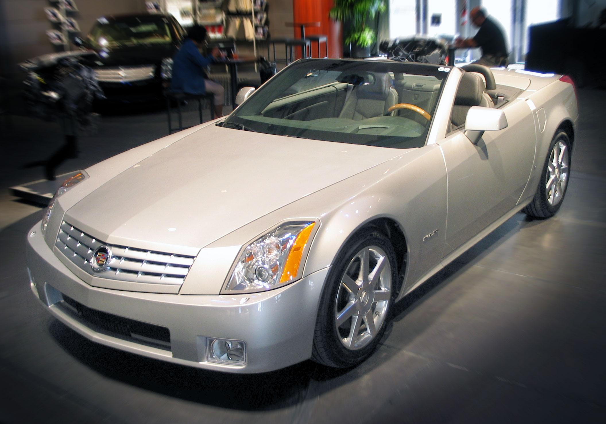 Cadillac XLR 2009 foto - 3