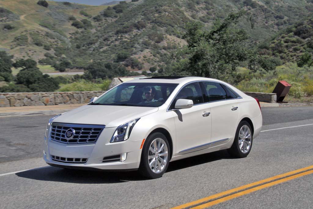 Cadillac XTS 2013 foto - 1
