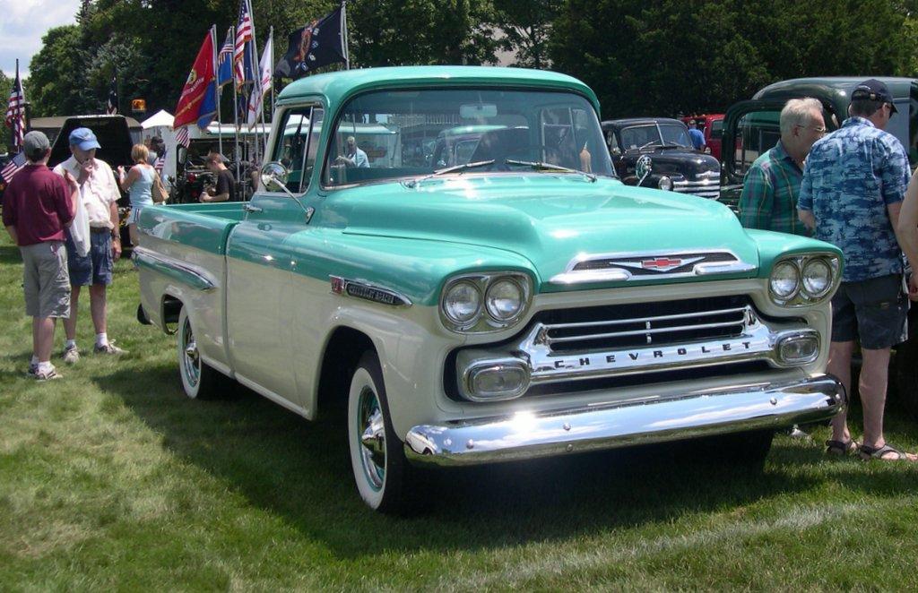 Chevrolet Apache 1958 foto - 1