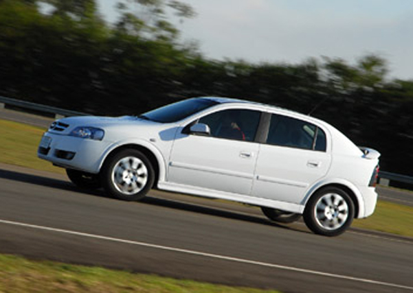 Chevrolet Astra 2010 foto - 3