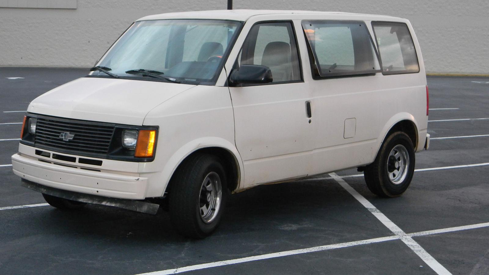Chevrolet Astro 1990 foto - 4