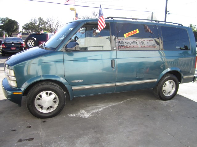 Chevrolet Astro 1996 foto - 2
