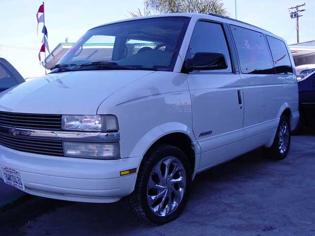 Chevrolet Astro 1998 foto - 1