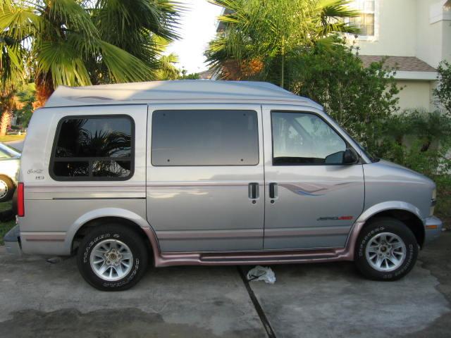 Chevrolet Astro 1998 foto - 2