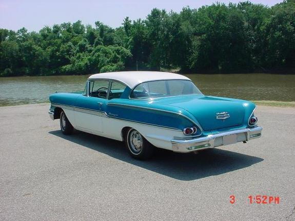 Chevrolet Biscayne 1958 foto - 1
