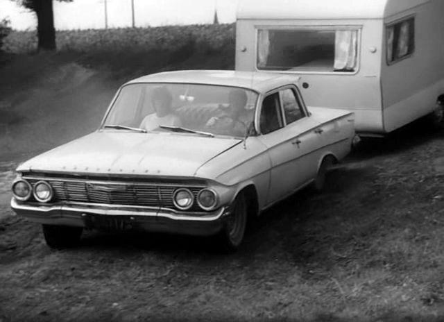 Chevrolet Biscayne 1961 foto - 3