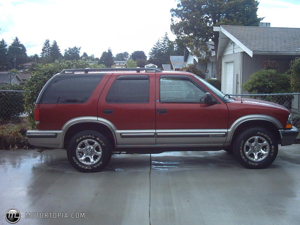 Chevrolet Blazer 1998 foto - 1