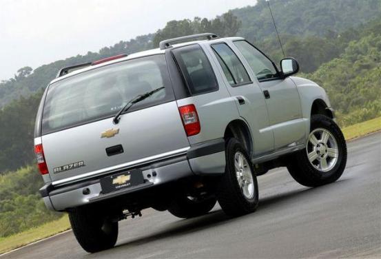 Chevrolet Blazer 2001 foto - 3
