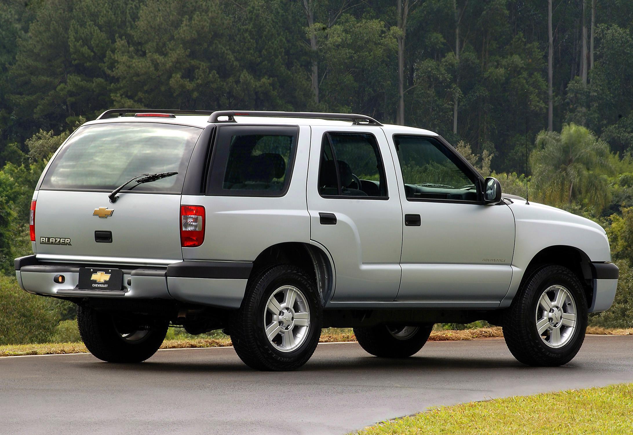 Chevrolet Blazer 2011 foto - 3