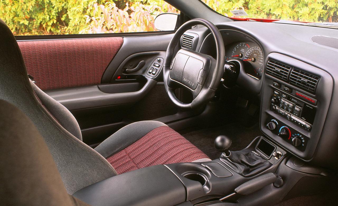 Chevrolet Camaro 1999 foto - 2