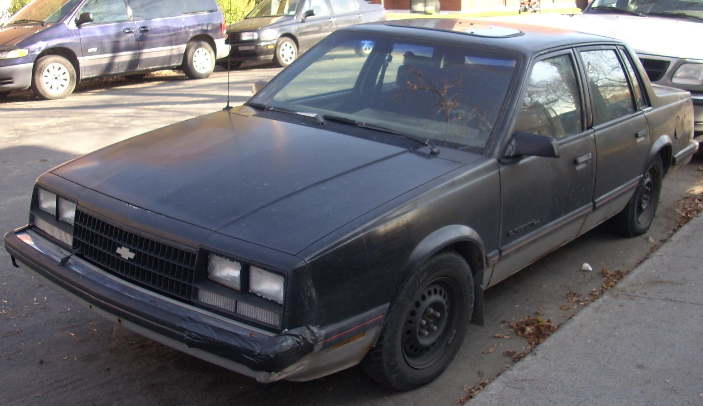 Chevrolet Celebrity 1985 foto - 2