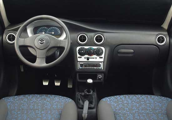 Chevrolet Celta 2013 foto - 2