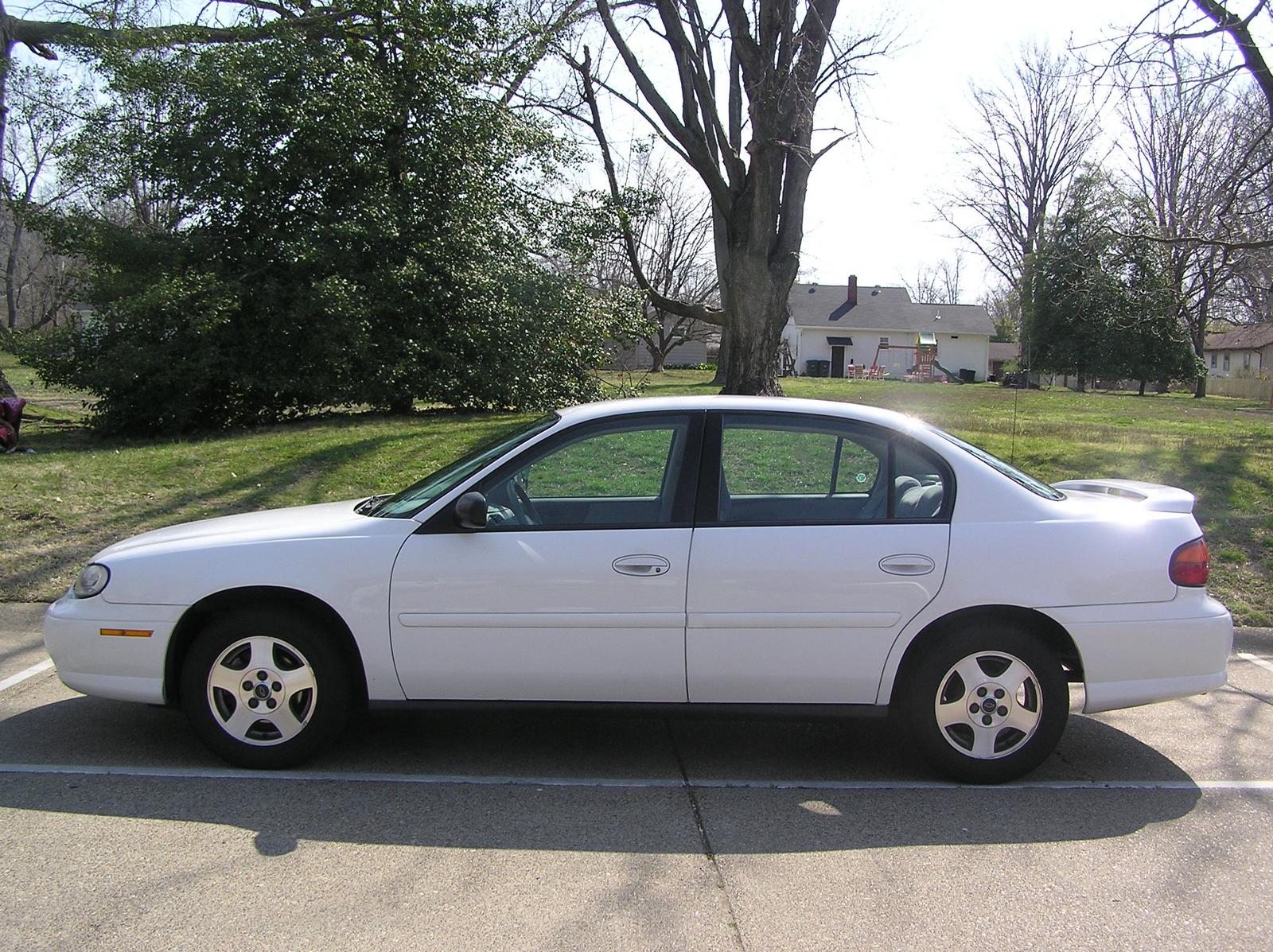 Chevrolet Classic 2004 foto - 1