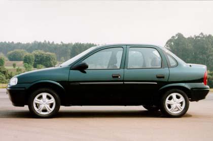 Chevrolet Corsa 1999 foto - 1