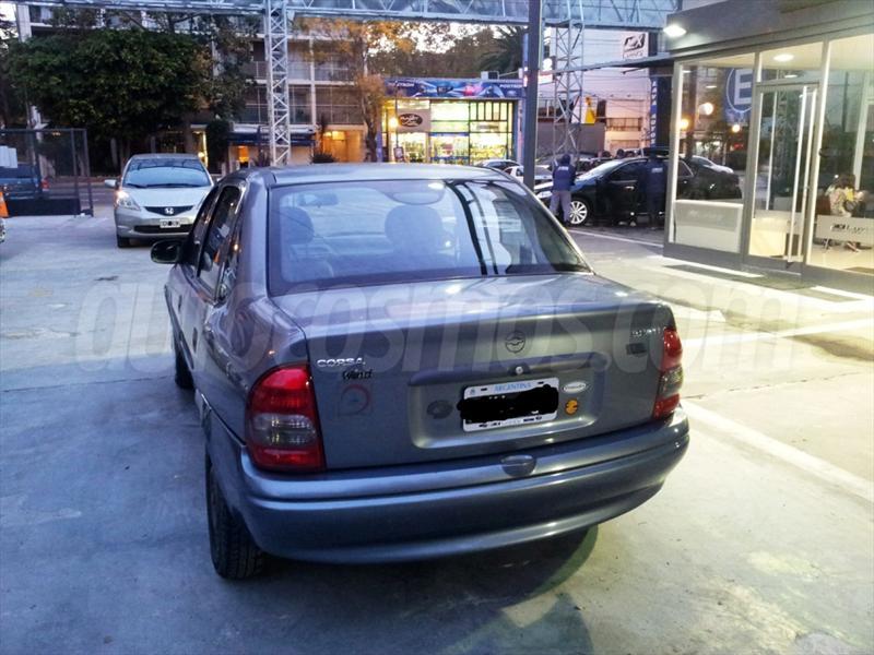 Chevrolet Corsa 1999 foto - 4